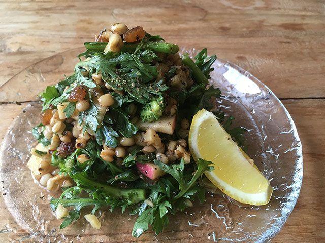 玄粒はと麦のガツンと春菊サラダ