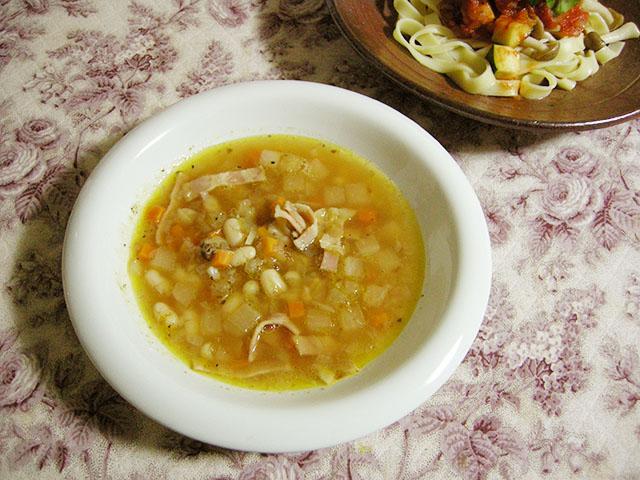 大手亡入り野菜スープ